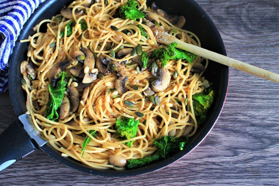 Spaghettis à l'huile et à l'ail, et Chou frisé