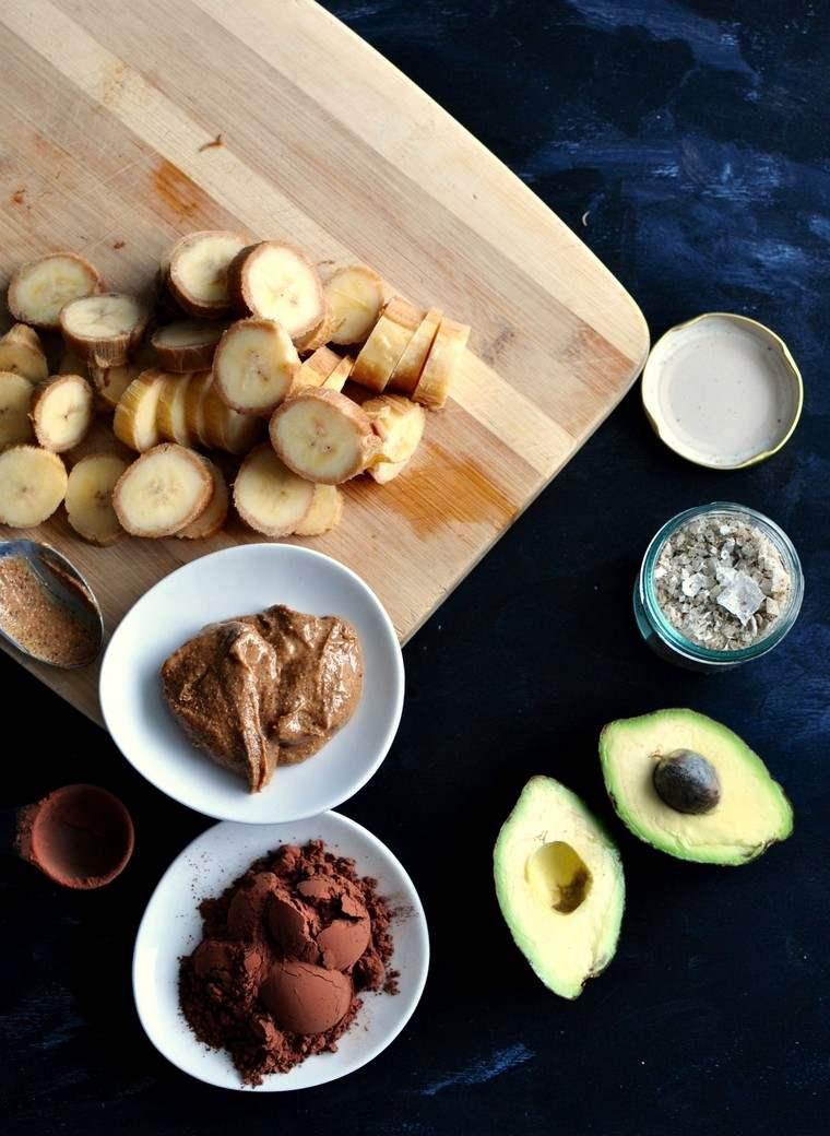 Mousse au chocolat vegan à l'avocat et à la banane
