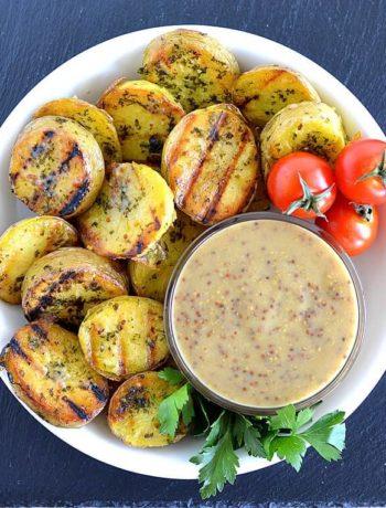 Pommes de terre grillées avec vinaigrette à la moutarde
