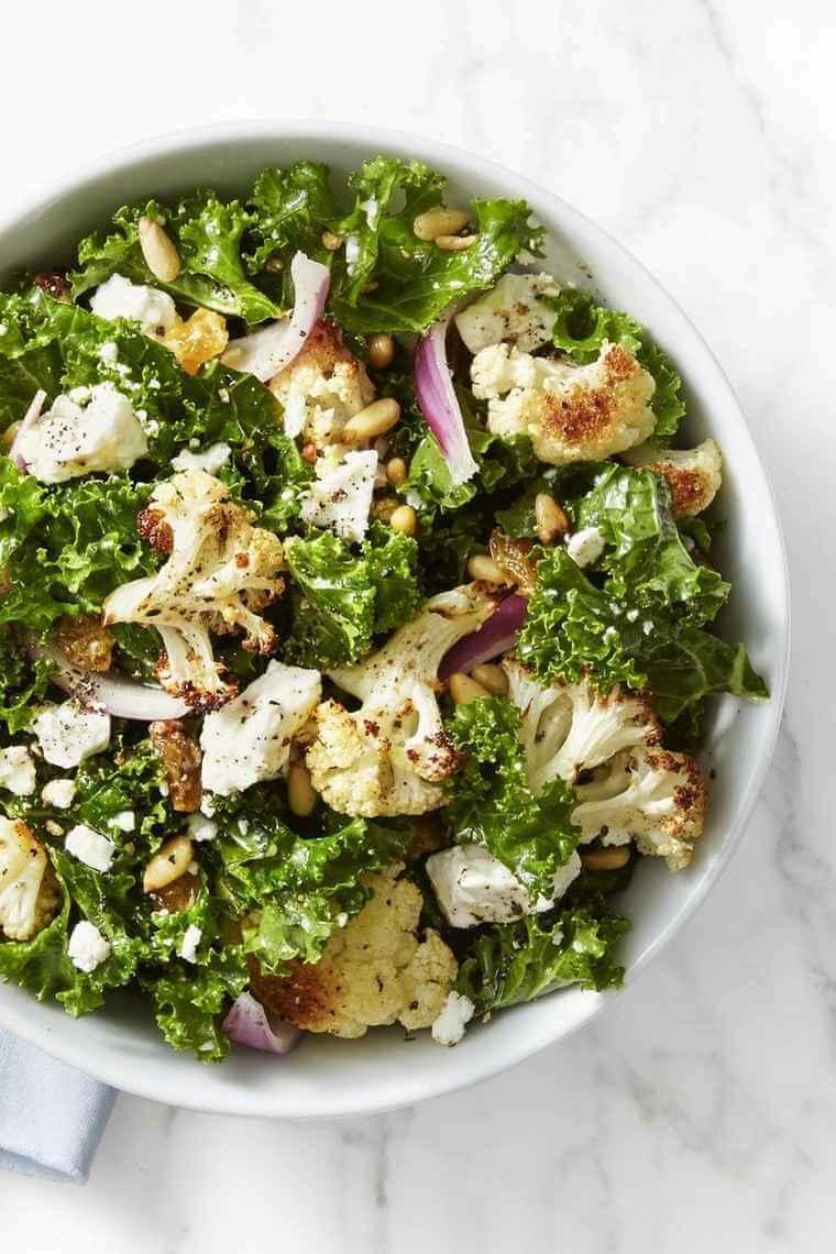 Salade de chou frisé et chou-fleur rôti