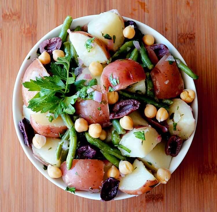 Salade de pomme de terre à la niçoise