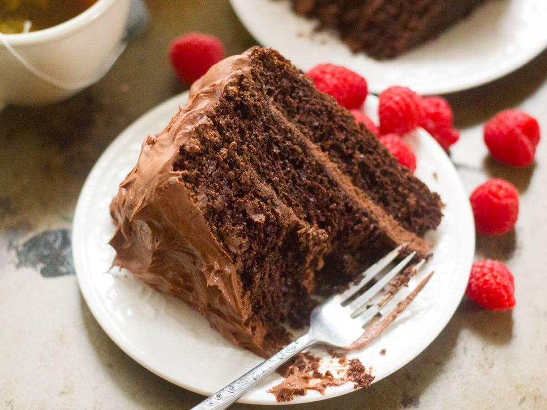 Gâteau au chocolat vegan en couches