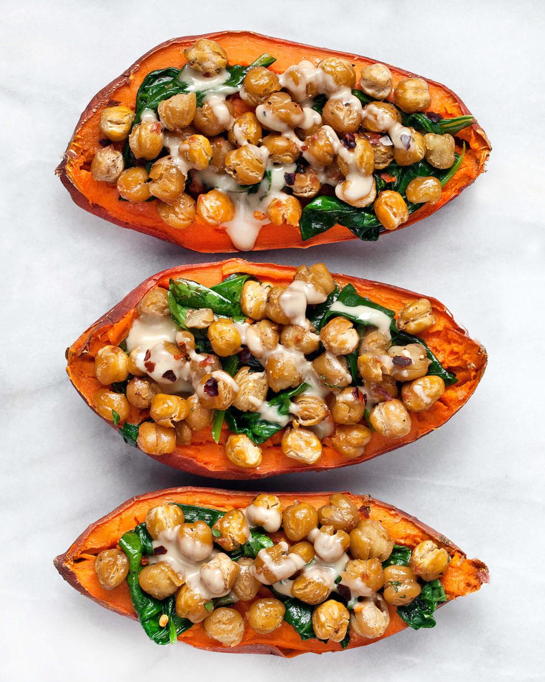 Pommes de terre végétaliennes au curry de pois chiches