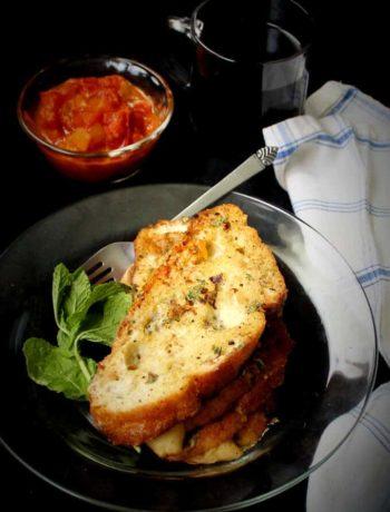 Toast français aux herbes et à la sarriette