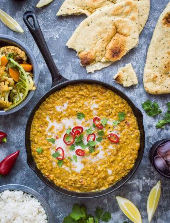 Curry de chou-fleur, de courge, de noix de coco et de lentilles