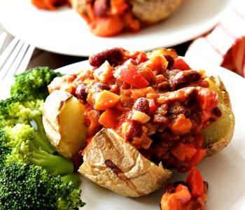 Chaussons de pommes de terre au piment et aux trois haricots